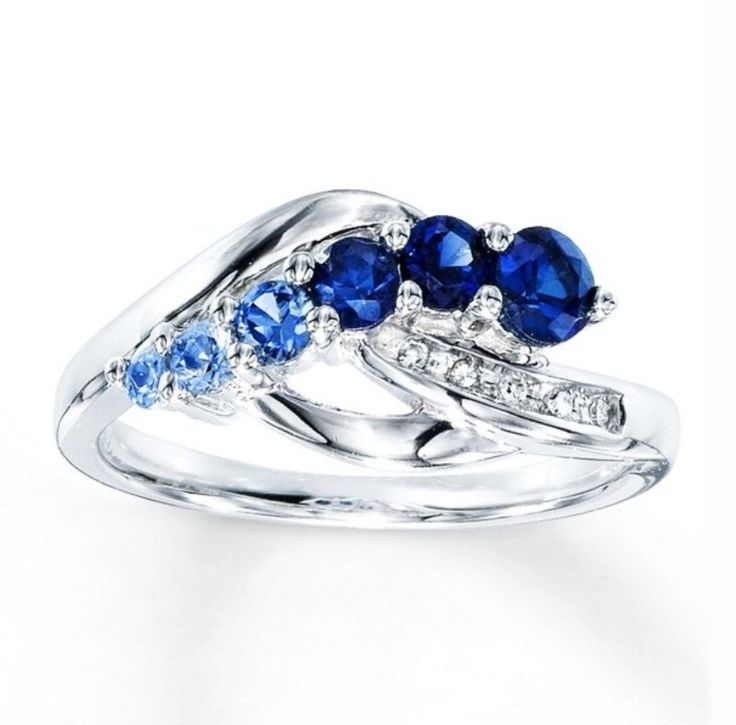 Blue Sapphire Engagement Ring Meaning