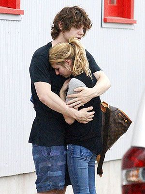 Why is domestic violence trending in Hollywood??? Emma Roberts and Evan Peters Share Emotional Embrace After Domestic Violence Incident