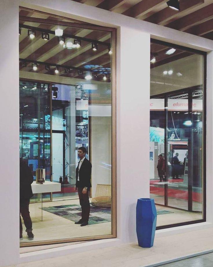 Day 3 Direttamente da Made Expo Sottili profili in legno che aumentano la superficie vetrata creando continuità con l'ambiente esterno.  Entra nel mondo di Carminati Serramenti Ci vediamo PADIGLIONE 3   H01 L10  #carminatiserramenti a #madeexpo