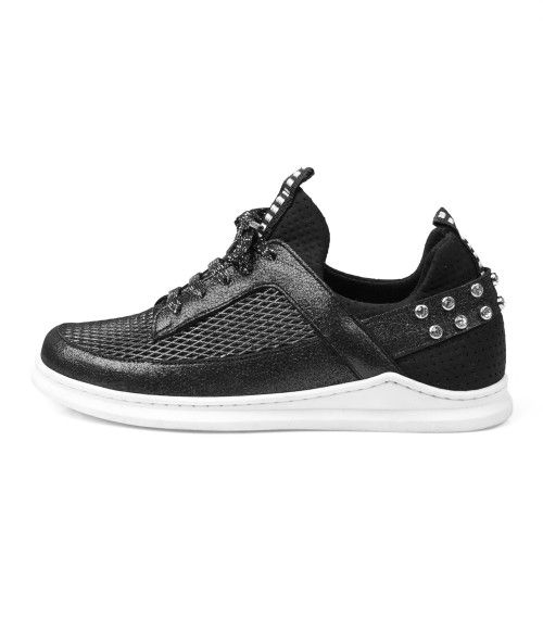 a7fad1c35807 12 best Trainers images on Pinterest   Flats, Nike shoes and Shoe