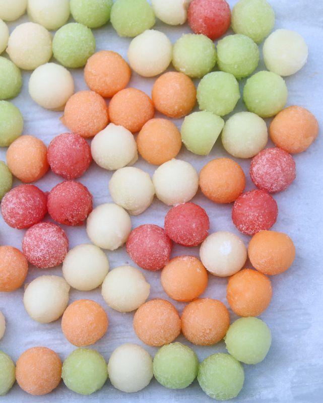 Melon ball ice cubes - Laylita's Recipes
