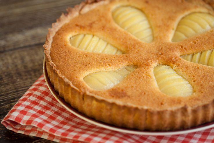 Préparation: 1. Préchauffez votre four à 170°. 2. Battez les œufs et le sucre ensemble jusqu'à ce que le mélange blanchisse et que le sucre soit bien fondu. Ajoutez le beurre fondu, la farine…
