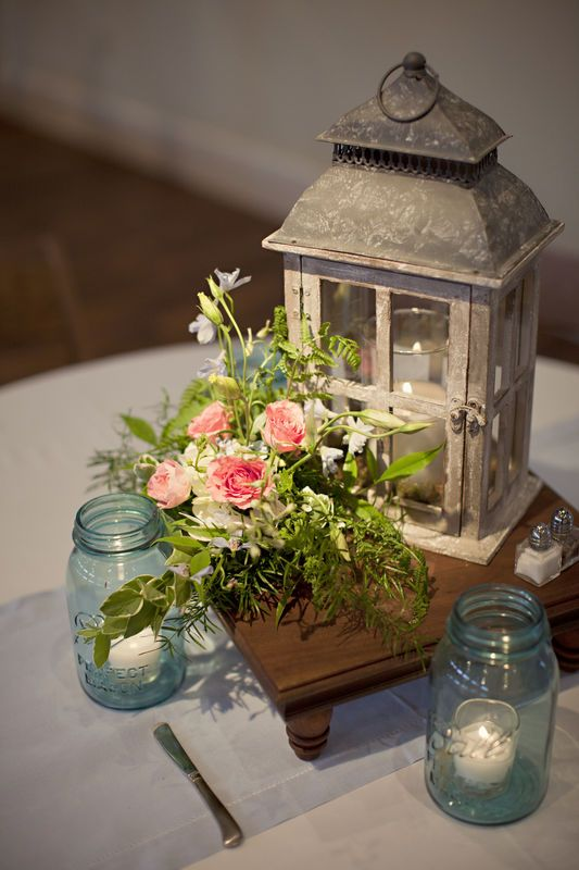 Love this for a centerpiece for a spring/early summer wedding