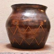 Tinaja en barro con simbología Cubeo. (Vaupés- Colombia)
