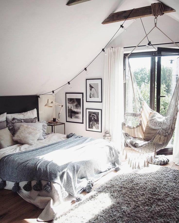 Ein Schoner Und Kuscheliger Teppich Darf Auch Im Schlafzimmer Nicht Fehlen Der Schlafzimmer Deko Zimmer Gestalten Schlafzimmer Einrichten
