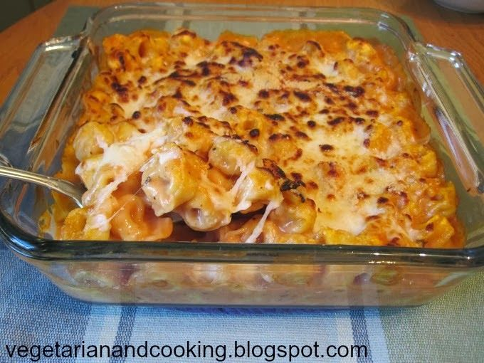 Tortellini Bake (1 bag of frozen cheese filled tortellini (19 or 20oz), 1 jar of alfredo, 1/2 jar of marinara, 1/2 cup shredded mozzarella, 1/2 cup grated parm) cook tortellini, mix together, top with cheeses, bake at 350 for 15 mins, broil for 5