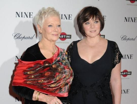 Dench and her daughter. (Photo: Splash)