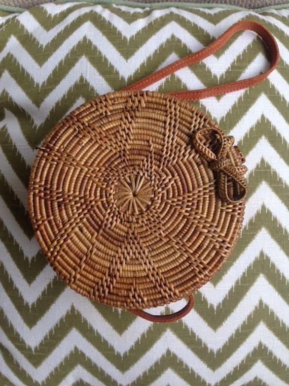 Mini Flores Round handbag, small round straw bag with flower pattern, rattan round shoulder bag,Round shoulder bag, Woven boho bag.