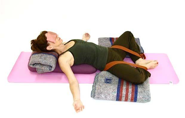 Praticar Yoga ameniza sintomas da TPM.