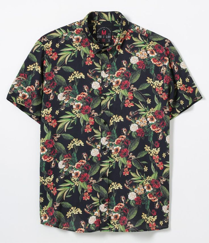 Camisa masculina Manga curta Floral Marca: Blue Steel Tecido: viscose Composição: 100% viscose Modelo veste tamanho: M COLEÇÃO VERÃO 2017 Veja outras opções de camisas masculinas . Está com dúvidas na tabela de medidas? Confira abaixo a equivalência dos tamanhos para facilitar sua compra: 01 = PP 02 = P 03 = M 04 = G 05 = GG 06 = XG