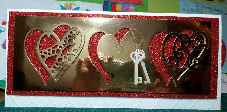 Cartolina per S. Valentino. In gomma crepla lo sfondo rosso e semplice cartoncino oro...by C.B.