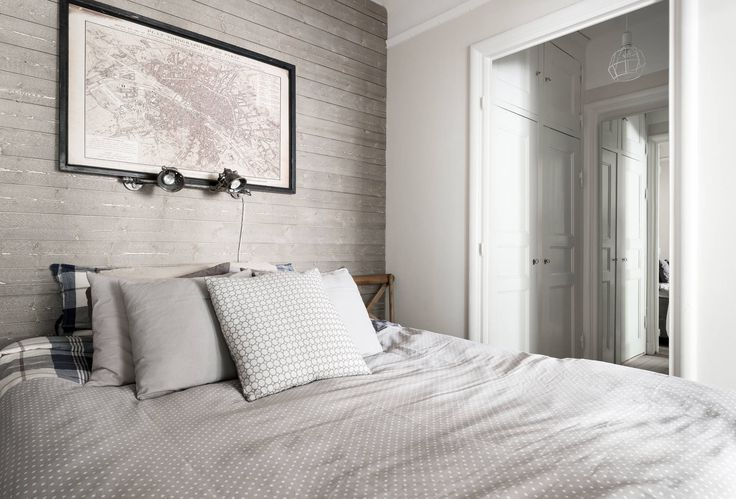 Nu ges unikt tillfälle att förvärva denna pärla belägen på en av Stockholms bästa adresser med närhet till allt.Ett fantastiskt boende på en lugn och eftertraktad gata, med puls och nöjen runt hörnet. En optimal cityadress helt enkelt, som sällan har 2:or till salu. Bra förening med engagerad styrelse och god ekonomi! Väl inne i bostaden erbjuds en trevlig öppen planlösning, tre fönster i fil mot den lugna innergården och fina materialval. Bostaden är belägen mot föreningens innergård med…
