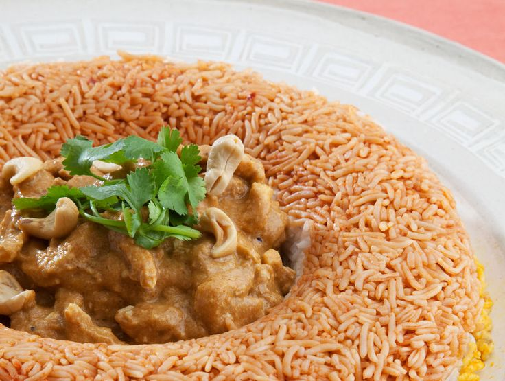 Rainbow rice ring with chicken korma 6–8 servings http://tastic-redpot.co.za/feature-recipes/98-rainbow-rice-ring-with-chicken-korma.html