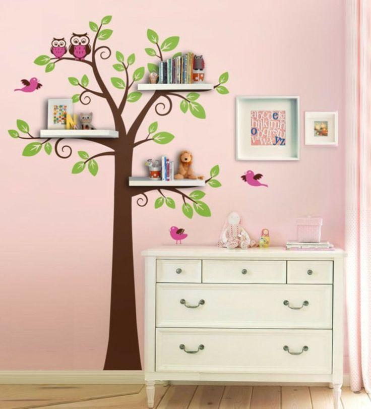 Nice Idee f r das Baum Wandtattoo im Kinderzimmer Die ste als Regal verwenden