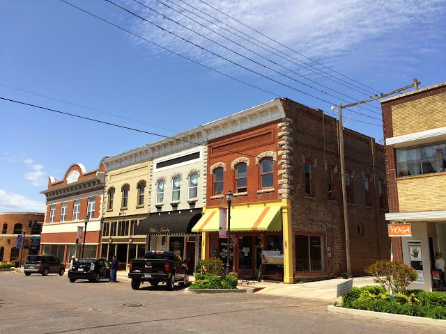 Rogers, Arkansas has a historic town square.