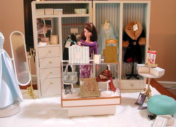 Doll Divas - Diorama Portfolio 'Boutique In a Box'