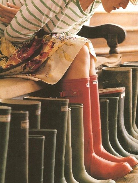 striped shirt, floral skirt, and hunter boots! totally recreating this the next time it rains!