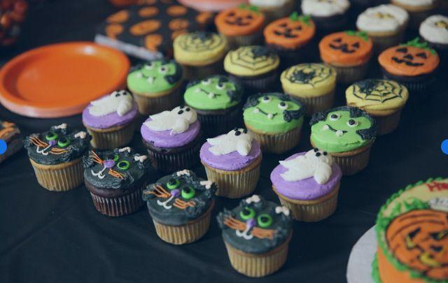 Spooky cupcakes.