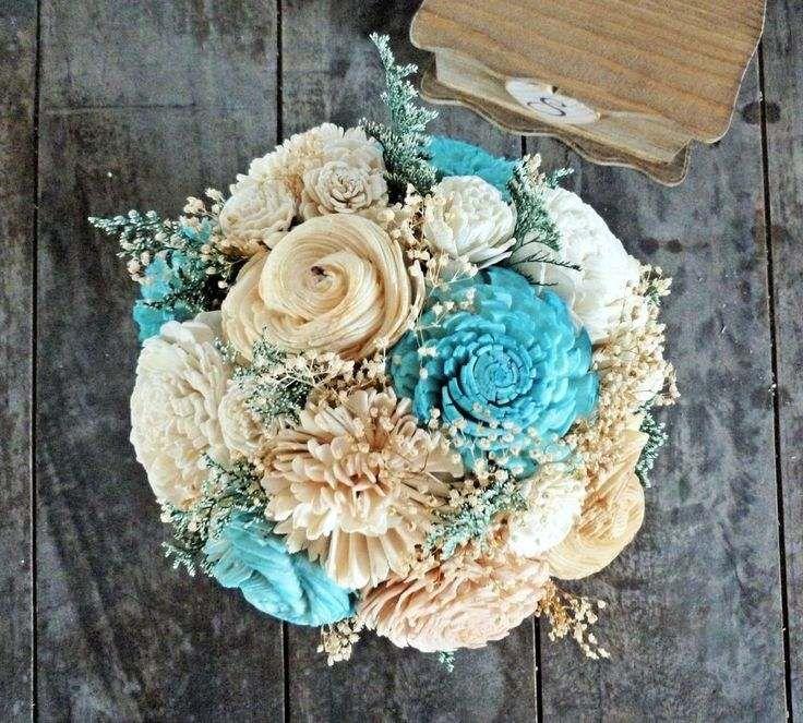 bouquet de mariée de style champêtre - fleurs décoratives en turquoise, blanc et de couleur champagne