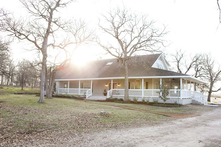 """Fixer Upper"" - The Robinson Farmhouse (my favorite one so far), episode 10 (AFTER 1):"