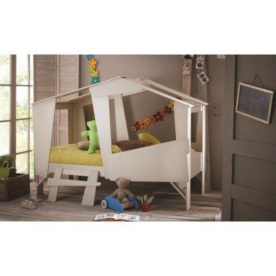 Kinderbett im Baumhüttendesign bietet Ihnen ein interessantes Design und zugleich ein komfortables Bett für die Kleinen. Sie bietet Platz für eine Matratze und Lattenrost mit den Dimensionen 90x200. #Bett #Kinderbett #Cabane #Huette #Holzbett #Themenbetten