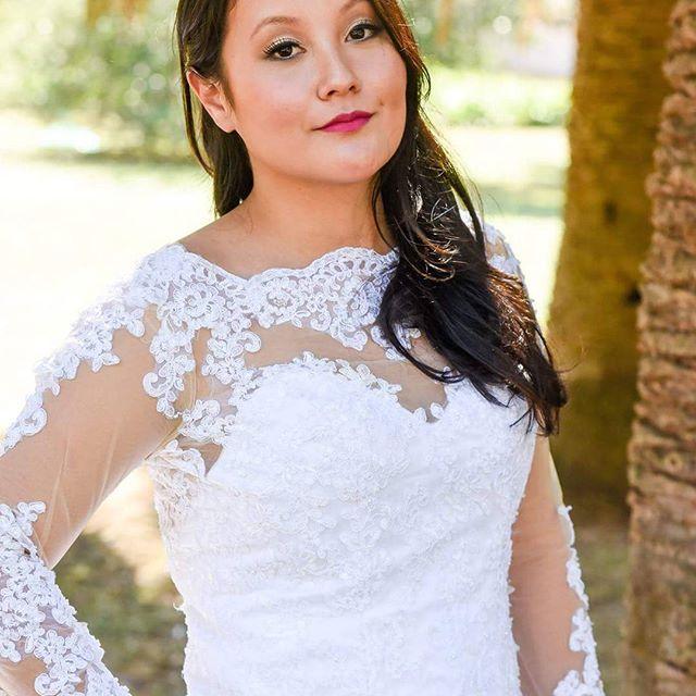 Beleza para noivas por mim Modelo: @brunacagawa  Fotografia: @thiagojavier Figurino: @santrixnoivas #makeupartist #makeup #bride #flatoutfabulous #maccosmetics #bridedress #makeupbycamilacarrafa