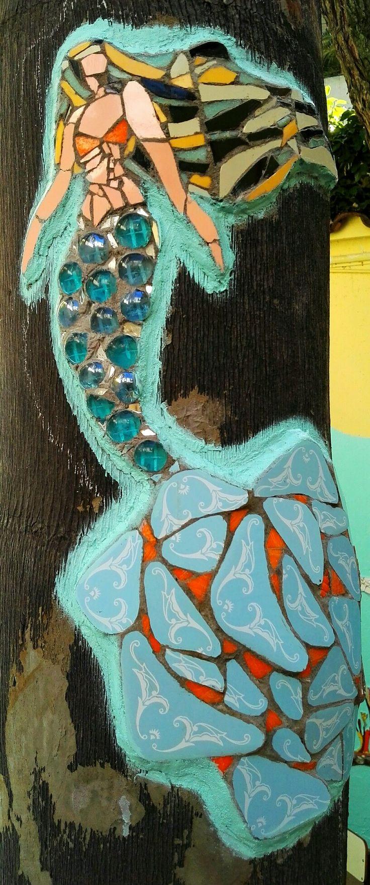 Sirena en Mosaico. Julia Gurwicz y Ricardo Stefani. Un mar de Juegos Mural Mosaico. Jardín de infantes integral n 1 Alfredo Palacios.