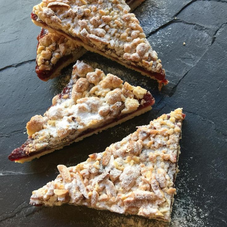 Freshly baked cranberry apple bar ! New in store. #urbanbakeryrotterdam #urbanbakery #FingerLickingGood