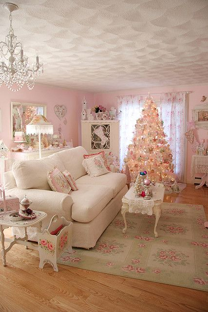 Holiday Living room vertical by Treasured Heirlooms, via Flickr