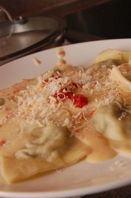 Portobello Ravioli With Smoky Sun Dried Tomato Sauce Meatless Monday Pinterest Gardens