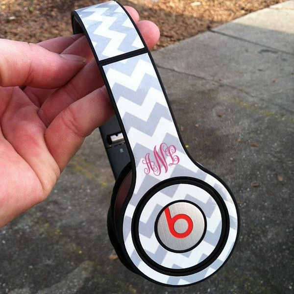 Custom Skins - Beats by Dr Dre - Solo - Chevrons 2013 ($25) ❤ liked on Polyvore