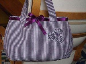 Csíkos táska