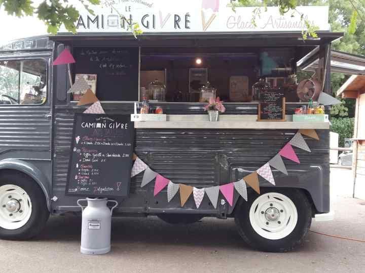des food trucks indits pour animer votre mariage - Location Camion Pizza Mariage