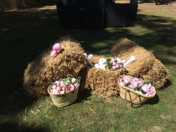 Rustique champêtre mariage décoration bottes de foin  Wedding decor