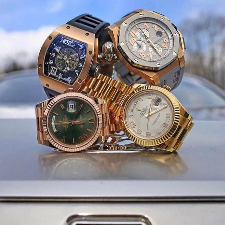 Choose your Future watch What you got? % Authentic.    Buy - Sell - Trade.   (305) 377-3335 info@diamondclubmiami.com #seybold #luxury #watches  #rolex #ap #audemars #hublot #patekphilippe #cartier #diamondclub #watch #diamonds #richardmille #diamondclubmiami #luxurywatch #relojes @thewatchspotter with some awesome options on the Rolls Royce