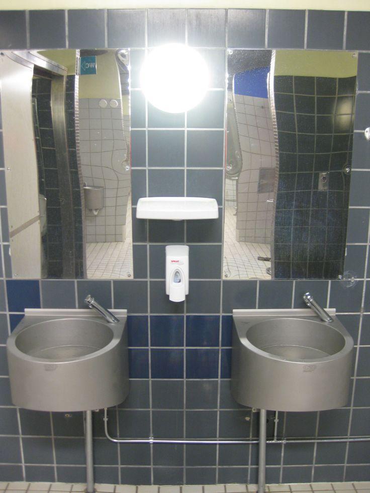 Delabie Malli 740500 7 sekunnin katkaisijalla. Sekoitetun veden hana. Käytössä vuodesta 2012. Mukana AQVA RST käsienpesuallas ja RST peilit.