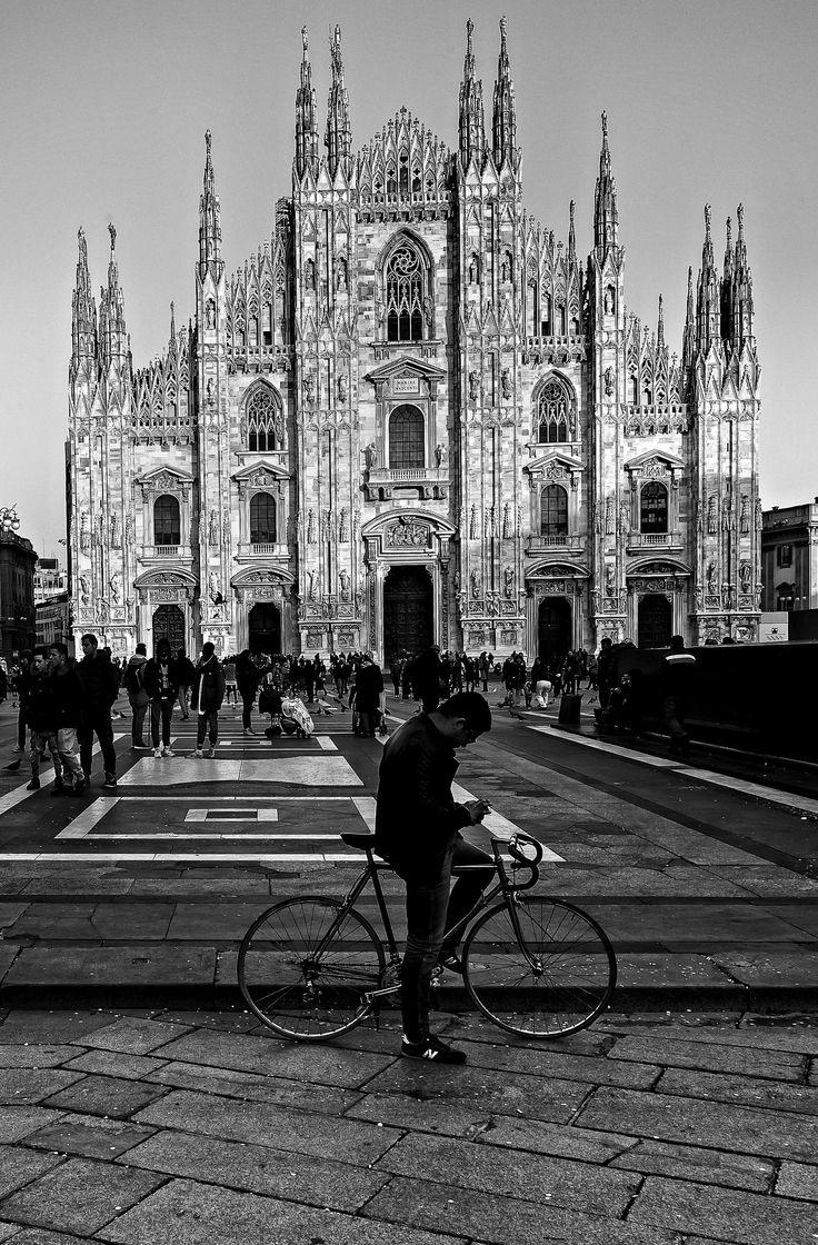 https://flic.kr/p/rmcVUP | Milano In BW, serie 2015 | Piazza del Duomo