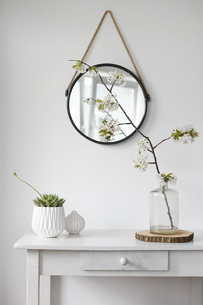 ♡ could do this with the hall table we have and put ems house picture in a frame to match or use a floating shelf in Gray ?