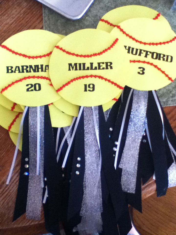 Softball locker signs