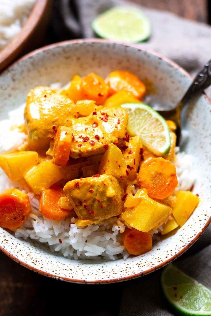 Gelbes Thai-Curry mit Hähnchen. Dieses einfache 30-Minuten Rezept ist schnell #…