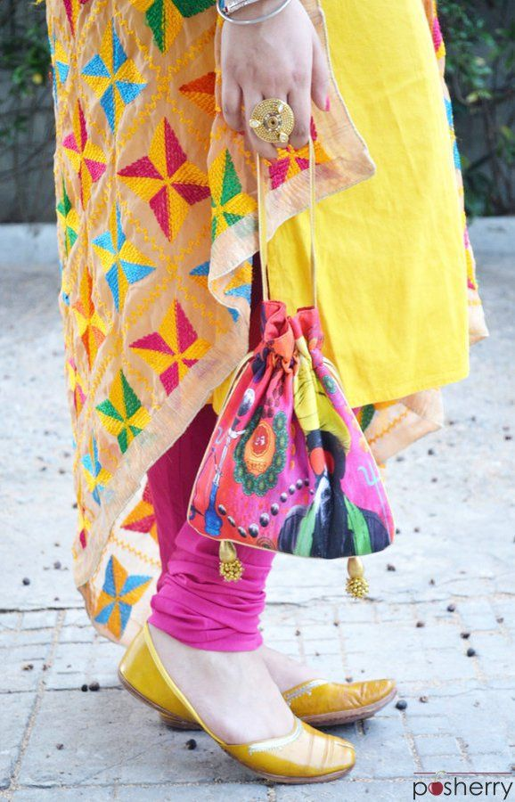 Phulkari Dupatta With Plain Suits Look For A Festive