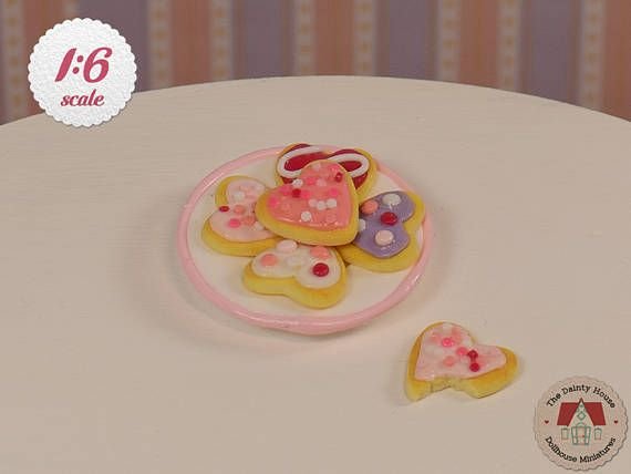 Miniature Heart Cookies, 1:6 Scale, Plate of Heart Cookies for Barbie or Blythe, Miniature Valentine Cookies, Dollhouse Desserts