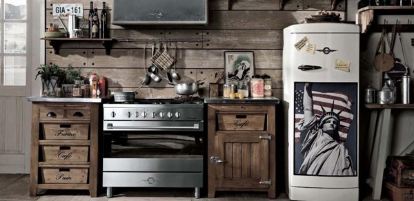 B L O O D A N D C H A M P A G N E . C O M:: Cottages Kitchens, Vintage Kitchens, Brown Kitchens, Rustic Kitchens, Dialma Brown, Rustic Wood, Barns Wood, Cabins Chic, Vintage Decor