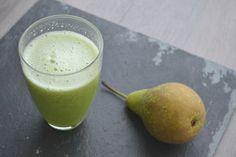 Een friszoet, supergezond sapje. Heel simpel zelf te maken met een sapcentrifuge of juicer. Dit perfecte peren detox sapje met o.a. bleekselderij.