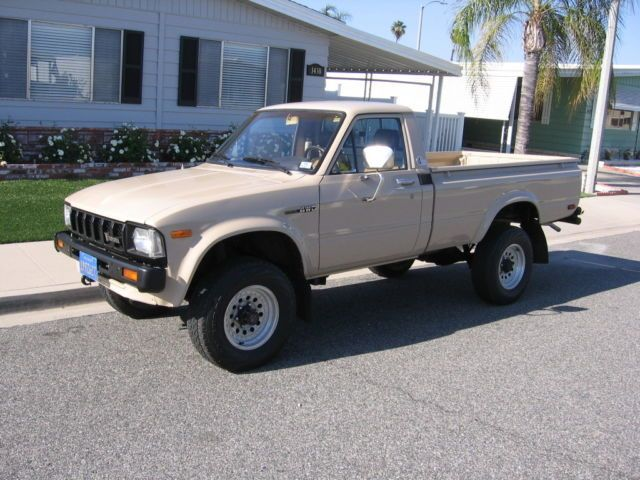 1982 Toyota Truck >> 1982 Toyota 4wd Pickup Truck Sr5 Long Bed 4x4 Rare 3 4 Ton