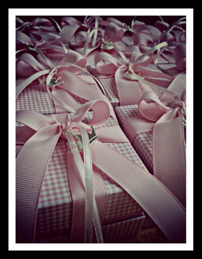 For our little princesses, pink checked boxes with small crowns!