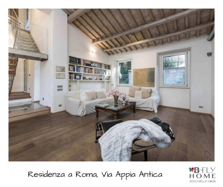 Proponiamo a Roma, rarissima residenza di grande lusso situata nella parte più' esclusiva dell'Appia antica, la proprietà di 230mq si trova davanti alla Villa di Massenzio a 100 metri dalla tomba di Cecilia Metella. In vendita a €2.950.000.