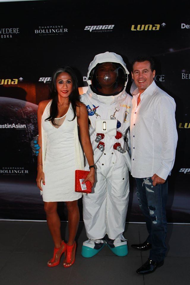 #Lunafriends #Spacechampagne&caviar #astronaut  #launch #party @Luna2 #friends #Seminyak #Bali