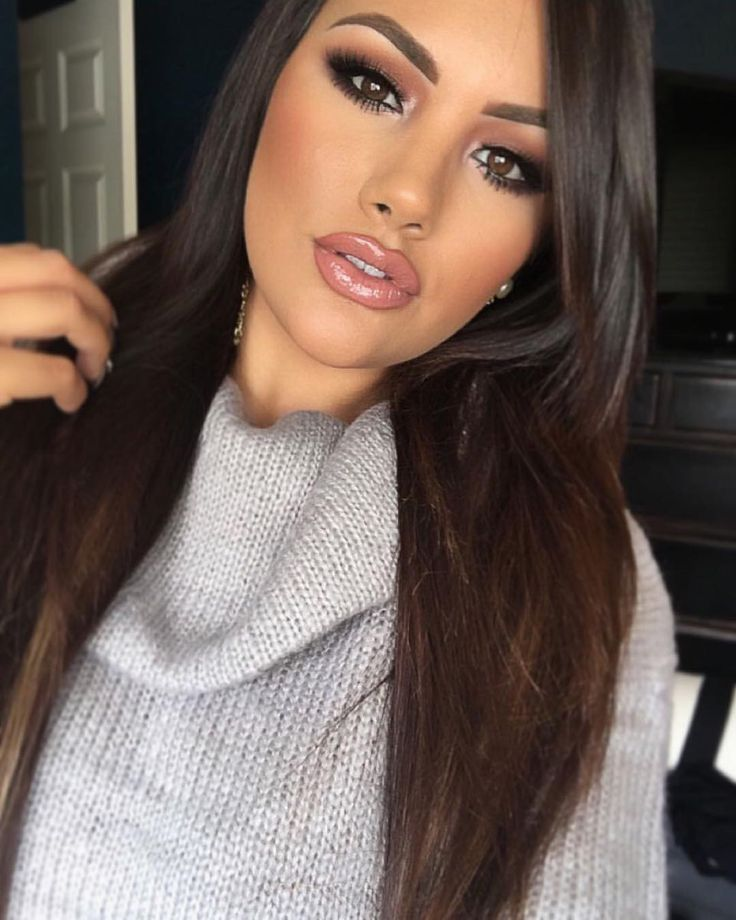 Friday glam @makeupme5  BROWS: #BrowWiz in Dark Brown  EYES: #SelfMadePalette  CONTOUR: Contour Kit in Medium to Tan  LIPS: Milani Spice liner with Velvet Teddy lipstick by Mac  #anastasiabeverlyhills