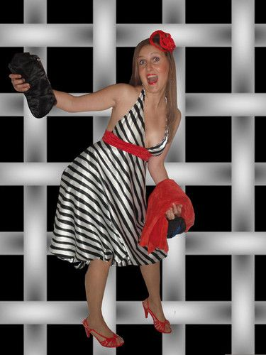 """vestido+para+boda+:+Y+akí+una+fan+del+facebook+que+me+ha+honrado+colgando+esta+foto+del+ultimo+modelo+k+la+hice+para+ir+de+boda. Mil+gracias+Laura Talla+38;+pvp+100€ Tocado+de+Fulana+de+Tal+30€ GILDAS+MADRID mas+info+en+www.myspace.com/gildasmadrid+o+mandar+mail+a+info@gildisimas.com  AHORA+TB+EN+FACEBOOK,+BUSCANOS+EN+PAGINAS+POR+""""GILDAS""""+y+hazte+fan+;) RECUERDO+QUE+LOS+DOMINGOS+Y+LUNES+CERRAMOS+POR+DESCANSO horario+de+martes+a+sabado+de+12+a+21h+ininterru..."""